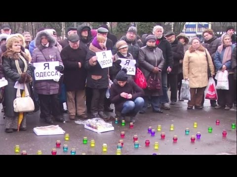 LIVE: Muscovites lay flowers to Ukrainian embassy on Odessa fire anniversary