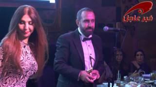 الفنان والملحن وسام الامير يتسلم درع خبر عاجل من زوجته الراقصة الاستعراضية نريمان عبّود