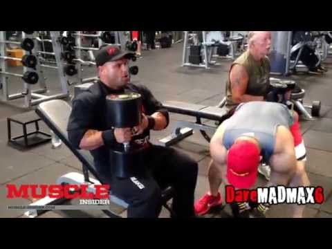 UK's IFBB Pro Anth Bailes trains chest and arms in the Mecca