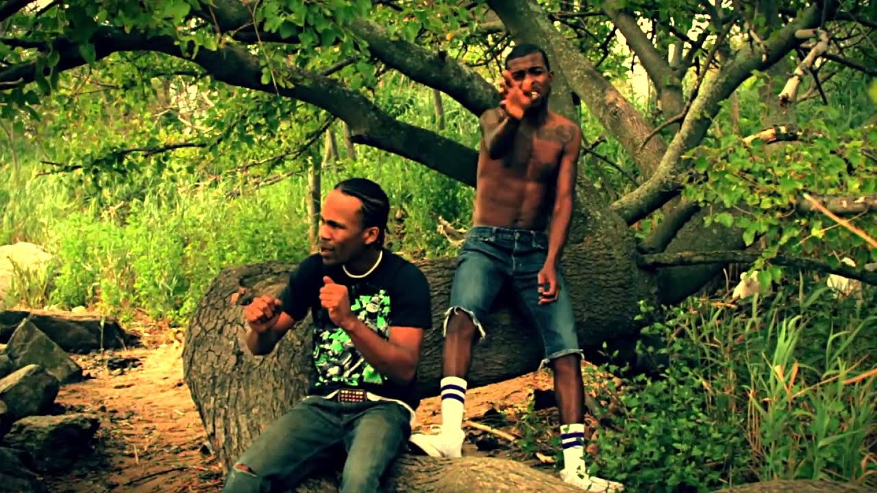 Dollas Di Emperor Ft. Dwayne Rose - Nah Give Up [Official Music Video]