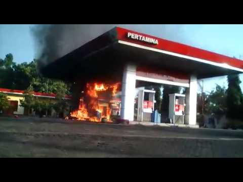 Detik-detik Kebakaran SPBU Berbek, Nganjuk, Jawa Timur, 27 ...