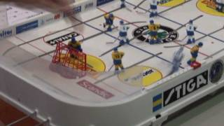 Настольный хоккей-Table hockey-WCh-2011-DMITRICHENKO-NUTTUNEN-Game1-comment-TITOV