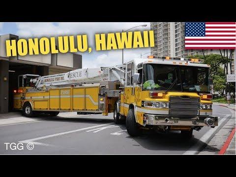 *AIRHORN* [Honolulu Fire Dept.] Tiller Ladder 2 Responding With Lights & Siren