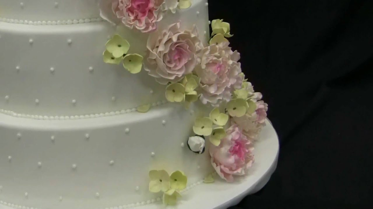 Flower wedding cake youtube mightylinksfo