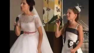 Забирова Настя поет с невестой на свадьбе, 2014, песня leann rimes - can t fight the moonlight