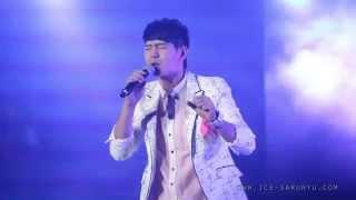 [Live] 141022 Medley คนมันรัก+อย่าเล่นตัว+I SEE U+30ยังแจ๋ว+ขอใจเธอแลกเบอร์โทร - ไอซ์ ศรัณยู