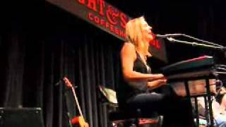 Bonnie Hayes--Coverage at FandS.wmv