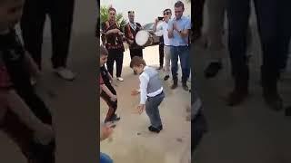 Des Petits enfants Kabyle dansent Trop fort .. a voir