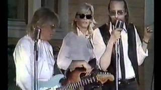 Topi Sorsakoski & Agents - Kirje - Kaksi kitaraa  - Maailma ilman rakkautta