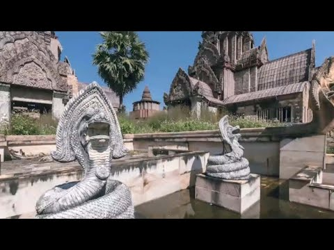 Abandoned Bathhouse Looks Like 'Lost Ancient Civilisation'