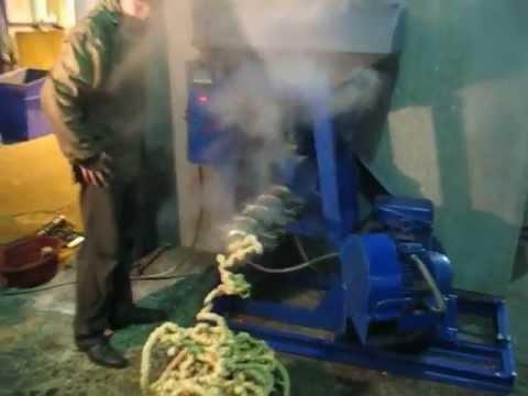 Шнековый пресс брикетировщик соломы (пресс-экструдер) - YouTube