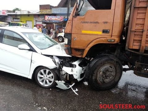 Latest Car Accident Of Hyundai Verna In India Youtube