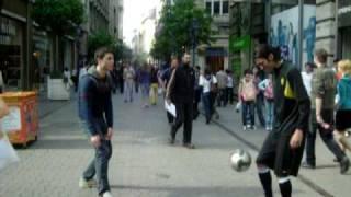 Budapest... Marco k gioca cn Ronaldinho =)
