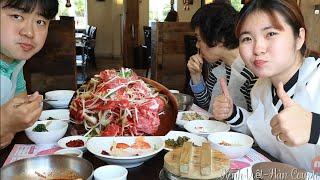 [Hàn Quốc] 3 mẹ con đi ăn  Bulgogi và cả chục món ăn kèm theo cực ngon