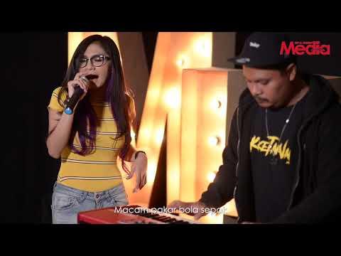 ZIZI KIRANA - NAKKETAKNAK- Live Akustik - The Stage - Media Hiburan