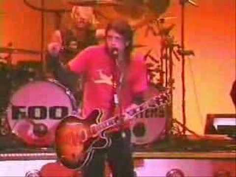 Foo Fighters - I'll Stick Around [Live] - November 3, 2000