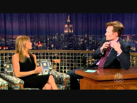 Jennifer Aniston talking Swedish