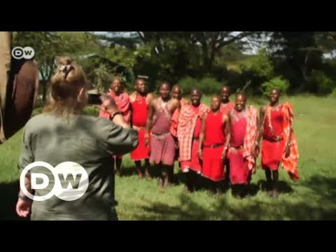 Kenya: Maasai on the lookout on the Ol Kinyei Conservancy | DW English