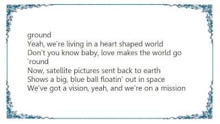 Chely Wright - Heart Shaped World Lyrics YouTube Videos