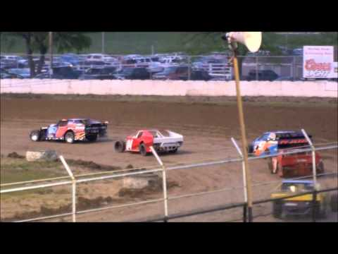 Wilmot Raceway Modified Heat Race 05_28_2011