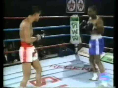 Muay Thai Boxing Ronnie Green vs Sombat -part 1.flv