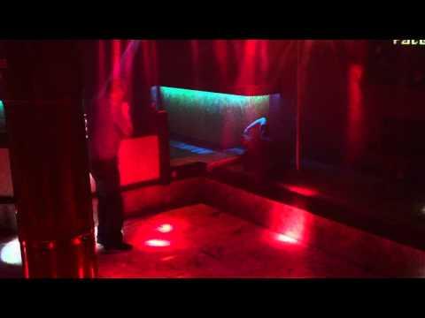 london pub drunk holland guys 1