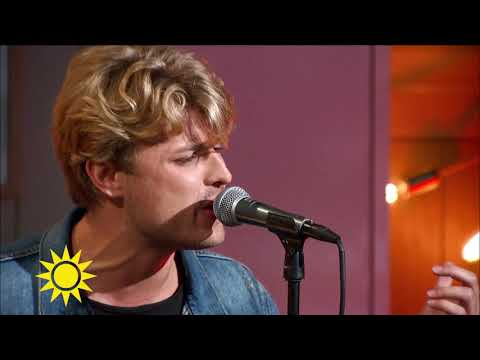 "Sandro Cavazza sjunger Aviciis ""Without you"" - Nyhetsmorgon (TV4)"