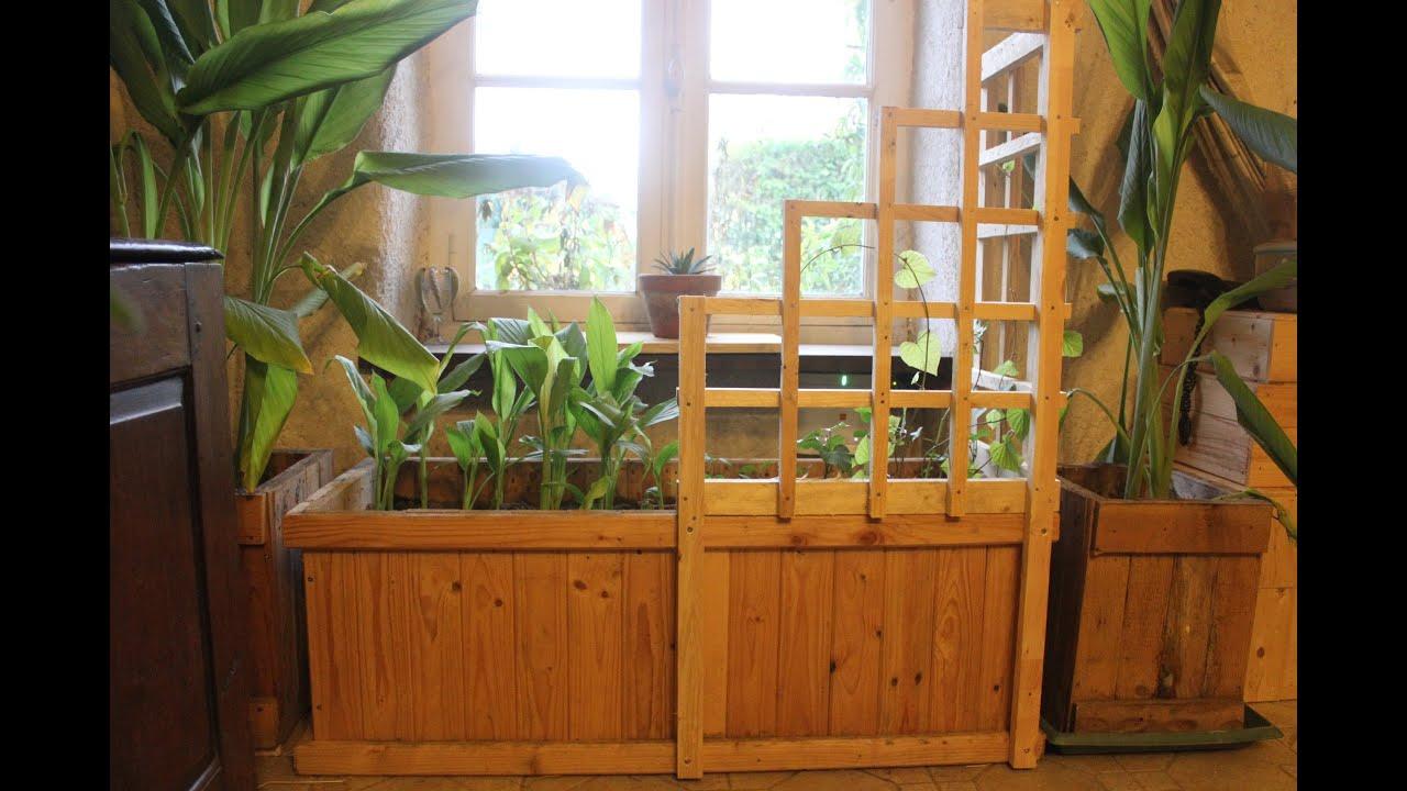 Pallet Wood Corner Trellis Planter For Indoor Winter