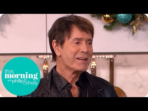 Sir Cliff Richard Makes His Christmas Gravy | This Morning