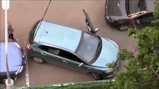 Dráma öt percben! - Két nő, egy parkolás