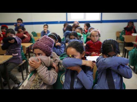 شبح تفشي فيروس كورونا يطارد مخيمات اللاجئين المكتظة في لبنان  - نشر قبل 7 ساعة