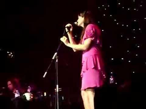 Mandy Moore Live (Umbrella)