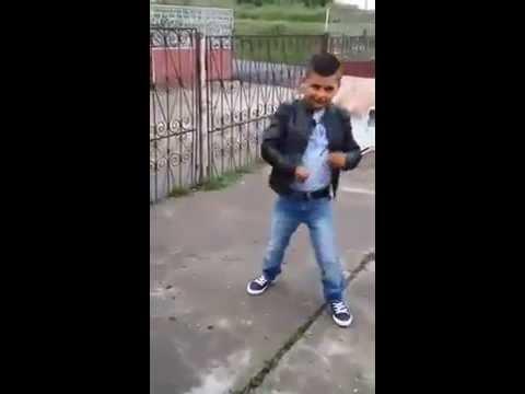 TICY Sik Saka Laka - Si baietii danseaza ( Partea 2 )