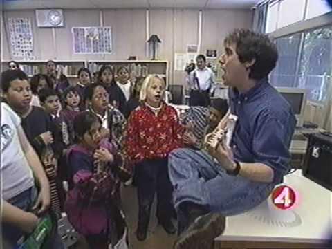 Carlos Santana's Milagro Foundation donates guitars to Little Kids Rock - KRON 4 San Jose