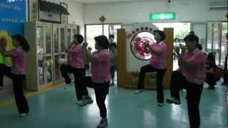 日南有氧體適能班永和安養院表演-舞在五彩繽紛 thumbnail