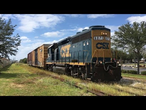 CSX local switches boxcars at the Tampa Bay Times plant