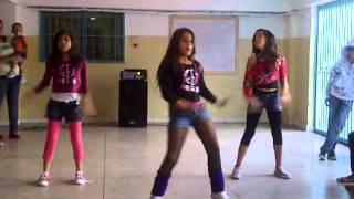 danza kuduro betzy con su grupo en la audicion de baile