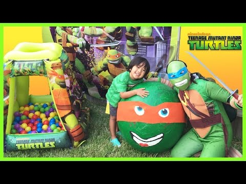 TMNJ SUPER GIANT EGG SURPRISE OPENING Toys Ninja Turtle Nickelodeon Kids Video Ball Pit Nick Jr