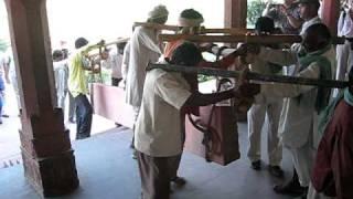 インド人の掛け声 [ Fatehpur Sikri in INDIA ]