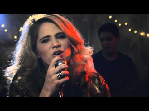 Laura Rizzotto - REASON TO STAY (Official Music Video)