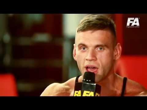 Piotr Borecki na treningu Muscular Development Polska w PowerPit Gym Gdańsk