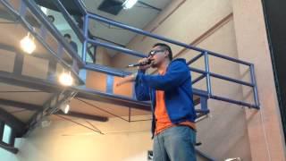 José Antonio Zúñiga con algo de su repertorio Hip Hop. YouTube Videos