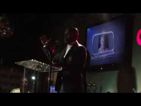 Floyd Mayweather Jr. Accepts Boxing Writers Assn. Of America fighter of year award