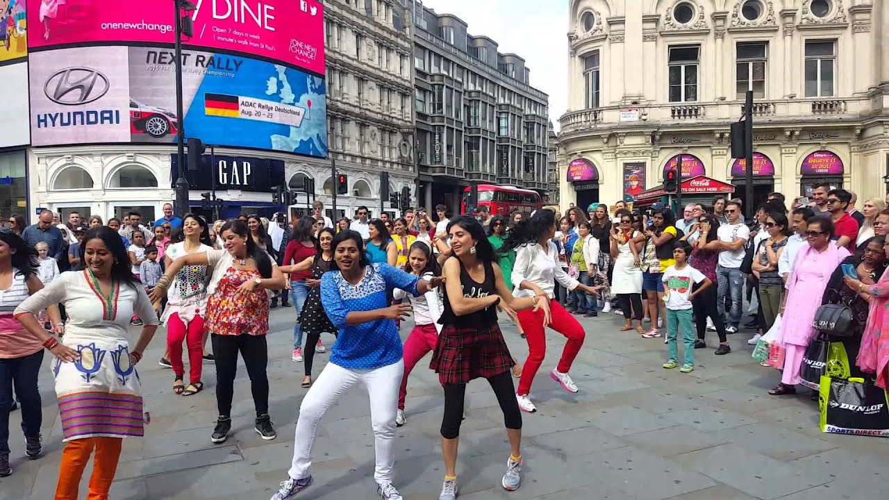 London flash mob picadilly circus independence day 2015 yuvika london flash mob picadilly circus independence day 2015 yuvika 4 sciox Choice Image