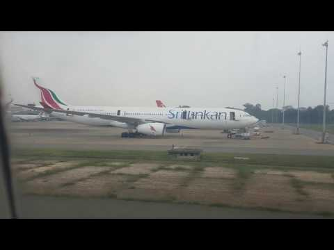 Aeroplane landing in Srilanka from India 4K HD Srilankan airlines Bandaranaike International Airport