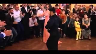Супер Чеченский Танец 2015! Зажигательная лезгинка Beautiful dance girl