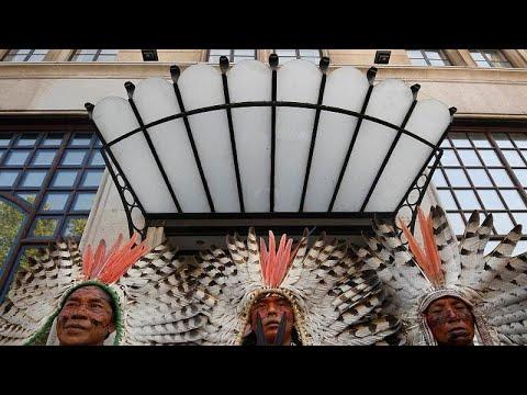 شاهد: مظاهرة لسكان البرازيل الأصليين ضد سياسات بولسونارو المناخية…  - نشر قبل 3 ساعة
