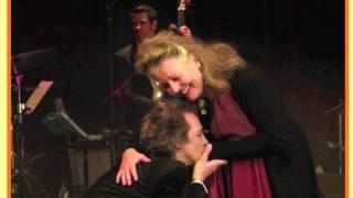 Hanna Schygulla & Sven Ratzke sing Lili Marleen