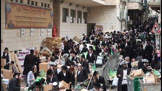 Pesach Food Distribution in Jerusalem by the Breslov Yeshiva