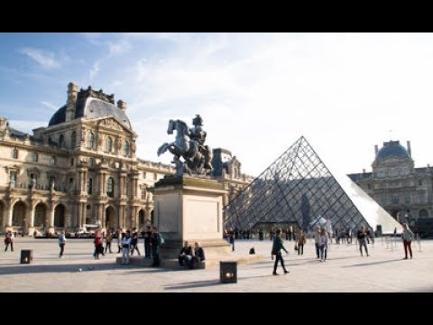 A Day In Paris- LE LOUVRE